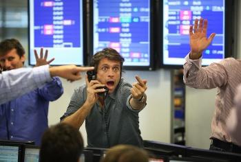Риэлторы ждут обвала рубля и оживления продаж