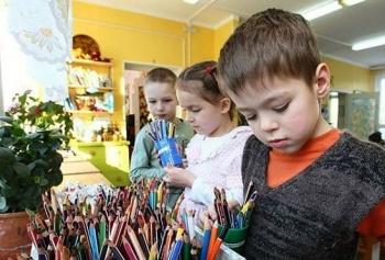 В Казани после капремонта открылось три детских учреждения - сад, школа и поликлиника