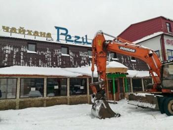 В Казани сносят здание чайханы «Регистан» на Адоратского