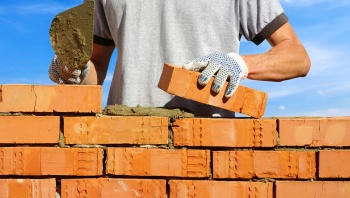 Просрочка сдачи дома в ЖСК: возможность взыскания неустойки или очередная «безответственная схема»?