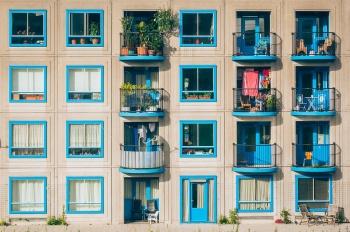 Шашлыки на балконе, свинья в спальне: 5 вещей, которые нельзя делать в квартире