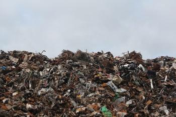 Глава Казани проверил мусорки города