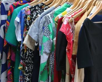 В Казани установили контейнер для сбора одежды на благотворительность