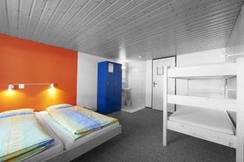 Что делать, если в вашем доме открыли хостел?