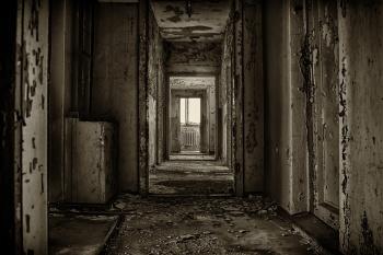 Как живет последний жилец на улице Фурманова?