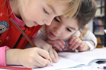 Как устроить ребенка в школу: правила, способы, рекомендации