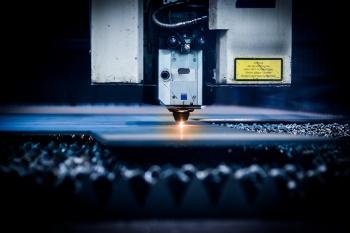 Особенности и преимущества технологии гидроабразивной резки металлов