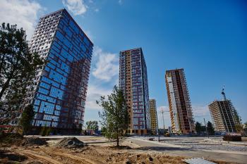 Выгодно ли приобретать квартиру в ЖК?