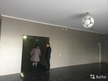 Продажа 2-к квартиры Петербургская 65 а, 65.0 м² (миниатюра №1)