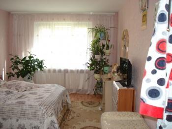 Продажа 3-к квартиры Гайсина, 3, 77 м² (миниатюра №1)