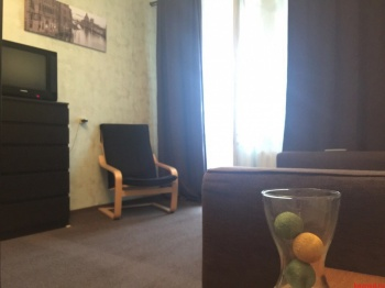 Посуточная аренда 1-к квартиры СИБИРСКИЙ ТРАКТ д.22