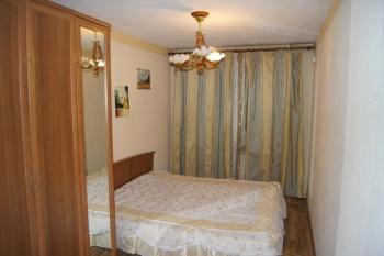 Посуточная аренда 1-к квартиры Сахарова 20