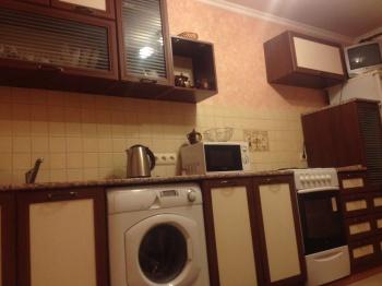Посуточная аренда 1-к квартиры адоратского 36в