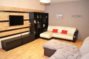 Посуточная аренда 2-к квартиры Четаева 28