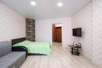 Посуточная аренда 1-к квартиры ул.Тихомирного д.1, 50.0 м² (миниатюра №2)