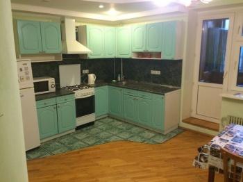 Посуточная аренда 2-к квартиры амирхана 15