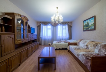 Посуточная аренда 2-к квартиры Жуковского д.21