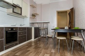 Посуточная аренда 1-к квартиры Адоратского 1а, 55.0 м² (миниатюра №2)