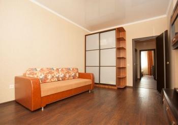 Посуточная аренда 2-к квартиры Чистопольская 71а, 75.0 м² (миниатюра №3)