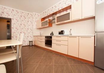 Посуточная аренда 2-к квартиры Чистопольская 71а, 75.0 м² (миниатюра №5)