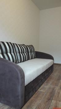 Посуточная аренда 1-к квартиры Четаева 10, 43.0 м² (миниатюра №2)