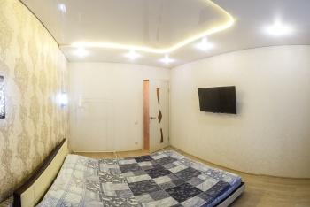Посуточная аренда 1-к квартиры Академика Сахарова,17