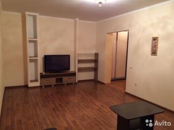 Посуточная аренда 2-к квартиры Чистопольская,76