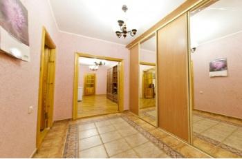 Посуточная аренда 1-к квартиры Сибгат Хакима 3