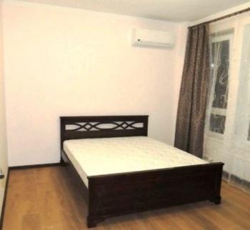 Посуточная аренда 1-к квартиры Серова 51