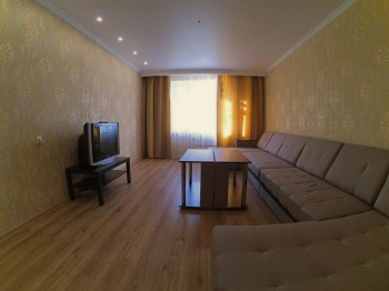Посуточная аренда 2-к квартиры Глушко 16