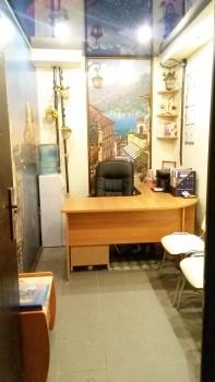 Продажа  офисно-торговые Адоратского 3а