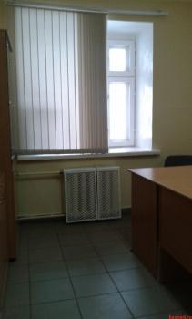 Продажа  офисно-торговые Юлиуса Фучика д.99а 1 этаж