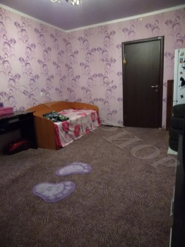 Продажа  комнаты Адоратского 35