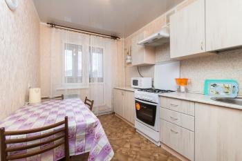 Посуточная аренда 2-к квартиры спартакоская 165