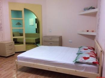 Посуточная аренда 1-к квартиры Ягодинская 25