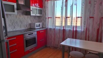Посуточная аренда 1-к квартиры Четаева 14а