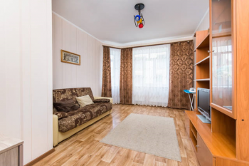 Посуточная аренда 1-к квартиры Карла Маркса 42