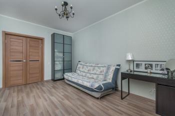 Посуточная аренда 1-к квартиры Бутлерова 29