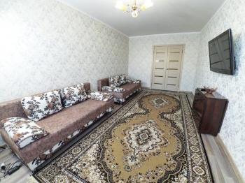 Посуточная аренда 3-к квартиры ЧЕТАЕВА 13
