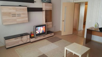 Посуточная аренда 2-к квартиры Аделя Кутуя, д. 44А