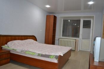 Посуточная аренда 1-к квартиры Рогачева 17