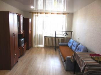 Посуточная аренда 1-к квартиры Карла маркса 60