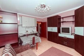 Посуточная аренда 1-к квартиры амирхана 14б