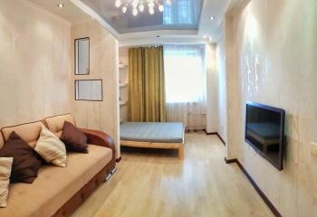 Посуточная аренда 1-к квартиры камалеева