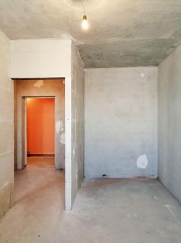 Продажа 1-к квартиры счастливая 6