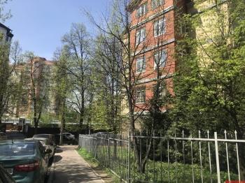 Продажа 4-к квартиры хади атласи 15