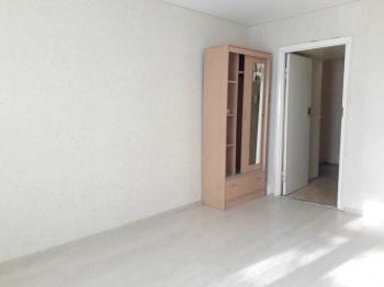 Продажа  комнаты Адоратского 36